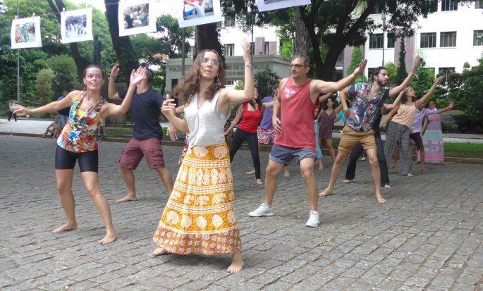 oficina de dança da Guiné no TAI Bom Retiro